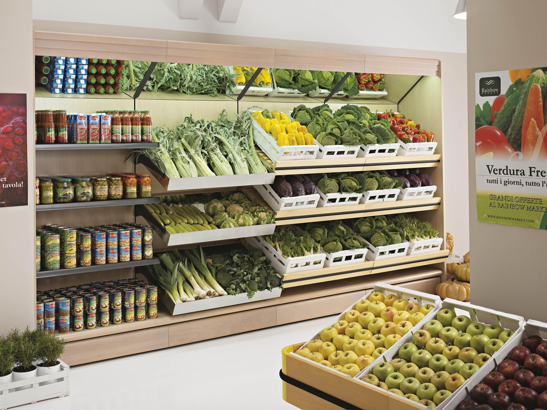 Arredamenti market designer caria arredamenti per for Arredamento frutta e verdura